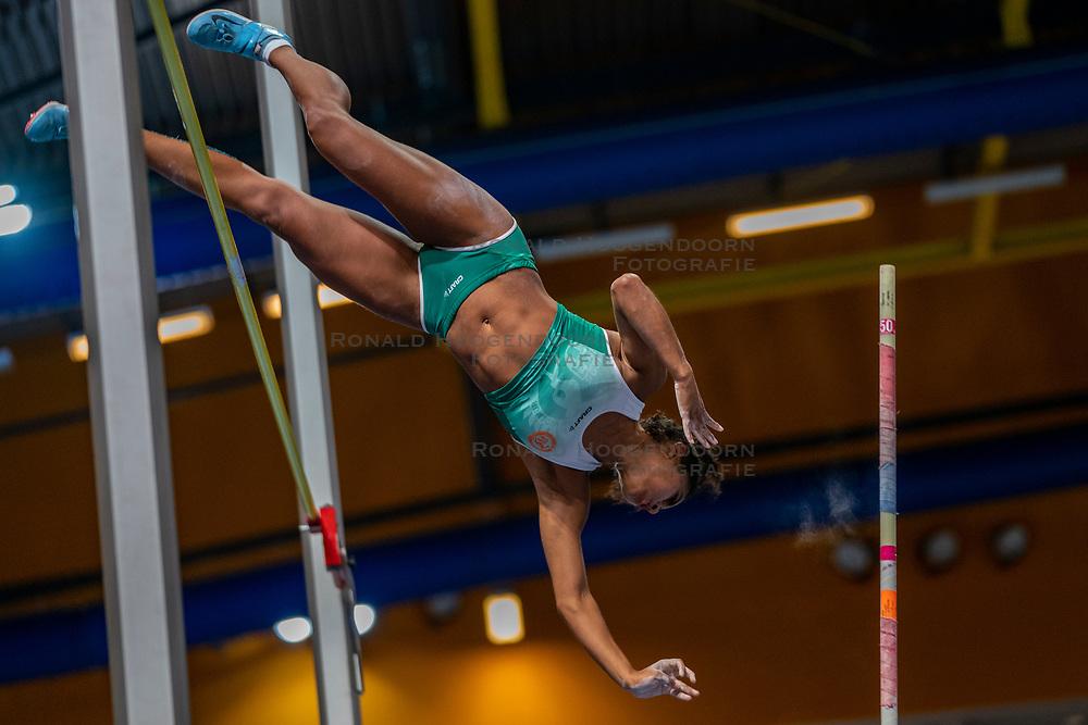 Killiana Heymans in action on pole vault during the Dutch Indoor Athletics Championship on February 23, 2020 in Omnisport De Voorwaarts, Apeldoorn