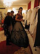 Comtesse Constanza della gherardesca, Getting ready before the  Thirteenth Annual Crillon Haute Couture Ball. Paris,  29 November 2003. © Copyright Photograph by Dafydd Jones 66 Stockwell Park Rd. London SW9 0DA Tel 020 7733 0108 www.dafjones.com