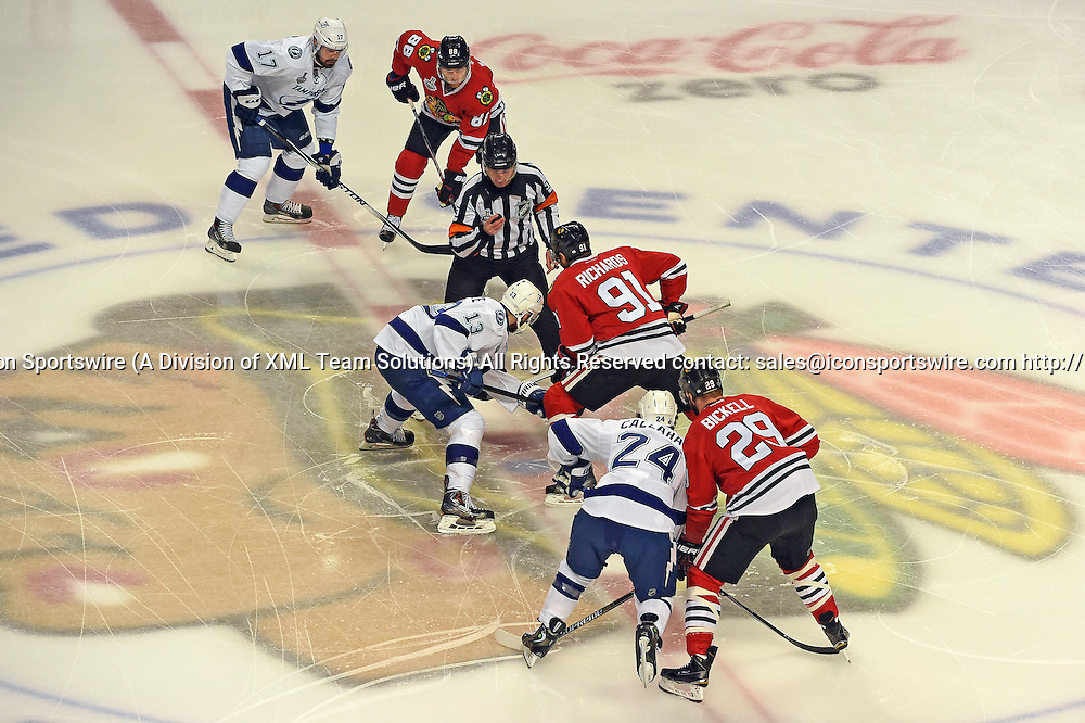 08 June 2015: Chicago Blackhawks Center Brad Richards (91) [1816] facing off against Tampa Bay Lightning Center Cedric Paquette (13) [9861] starting game 3 of the Stanley Cup Final at the United Center, Chicago, Il