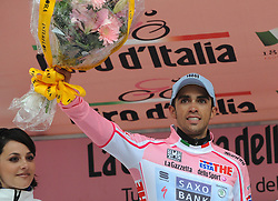 22-05-2011 WIELRENNEN: GIRO D ITALIA: VAL DI FASSA<br /> Alberto Contador, Team Saxo Bank Sunguard<br /> *** NETHERLANDS ONLY***<br /> ©2011-FotoHoogendoorn.nl/EXPA/R.Eisenbauer
