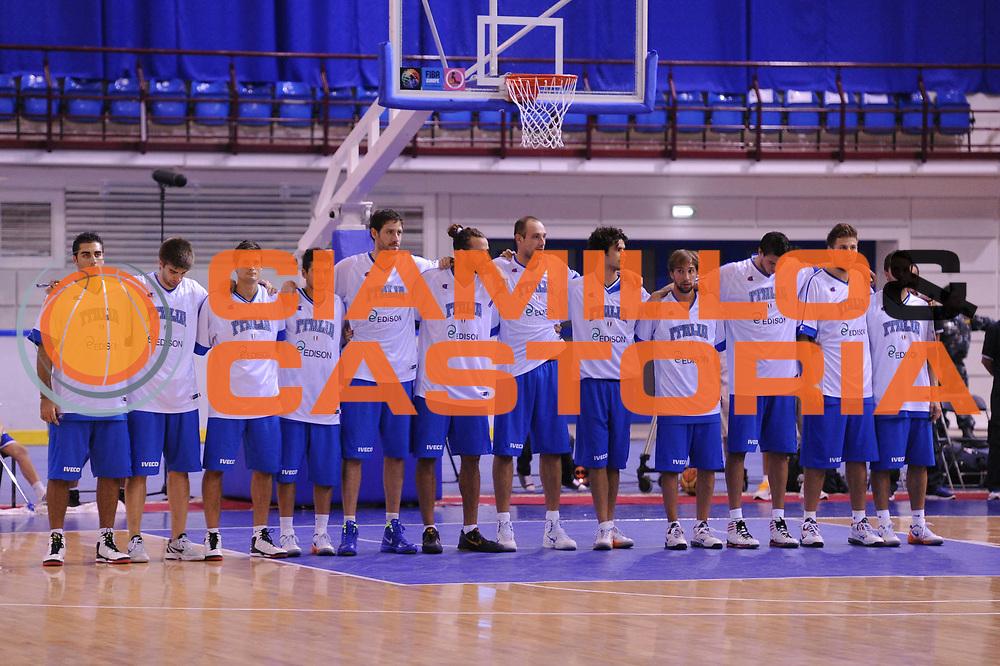 DESCRIZIONE : Minsk Qualificazioni Europei 2013 Bielorussia Italia<br /> GIOCATORE : team italia<br /> CATEGORIA : presentazione<br /> EVENTO : Qualificazioni Europei 2013<br /> GARA : Italia Turchia<br /> DATA : 24/08/2012 <br /> SPORT : Pallacanestro <br /> AUTORE : Agenzia Ciamillo-Castoria/GiulioCiamillo<br /> Galleria : Fip Nazionali 2012 <br /> Fotonotizia : Minsk Qualificazioni Europei 2013 Bielorussia Italia<br /> Predefinita :