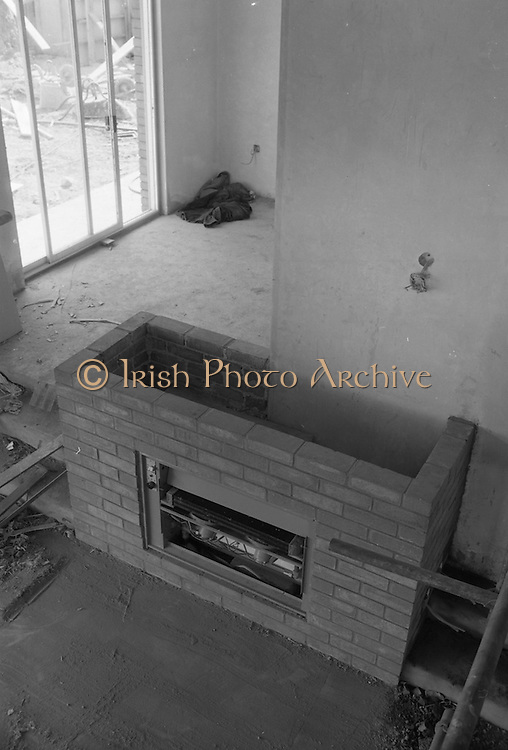 18/05/1966<br /> 05/18/1966<br /> 18 May 1966 <br /> I.C.I. House at Kilcroney, Co. Wicklow, for F.M. Cunneen of Imperial Chemical Industries (Ireland) Ltd., South Frederick Street, Dublin. View of gas fireplace.