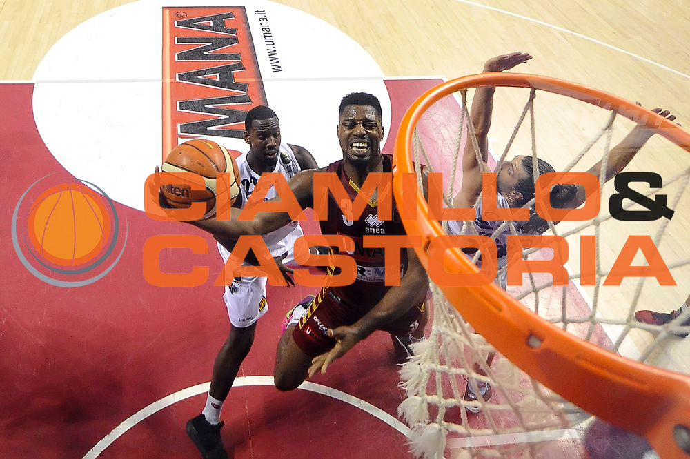 Melvin Ejim<br /> Umana Reyer Venezia - Dolomiti Energia Aquila Basket Trento<br /> Lega Basket Serie A 2016/2017<br /> Playoff, finale gara 5<br /> Venezia, 18/06/2017<br /> Foto M.Ceretti / Ciamillo-Castoria