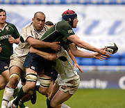 Reading, ENGLAND, Exiles Nick Kennedy, is challenged by left Simon Raiwalui and during the London Irish vs Saracens, Guinness Premiership Rugby, at the, Madejski Stadium, 06.05.2006, © Peter Spurrier/Intersport-images.com,  / Mobile +44 [0] 7973 819 551 / email images@intersport-images.com.