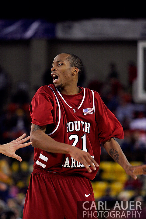 24 November 2005: Senior guard Tarence Kinsey (21) of South Carolina in the Gamecock's 65 - 60 victory over the University of Alaska Anchorage Seawolves in the first round of the Great Alaska Shootout at the Sullivan Arena in Anchorage Alaska.