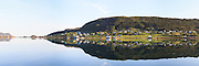 Panoramic view at Remøy, nearby Fosnavåg, Norway. Early morning light with reflections in the sea | Nydelig morgenlys på Remøy og Sævikane, med spegling i sjøen