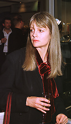 LADY JANE WELLESLEY at an exhibition of 4th February 1999.MNX 14