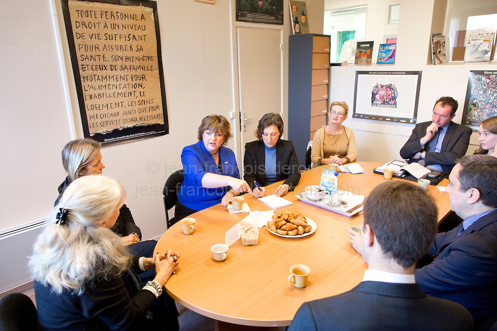 Visit of Fiona Hyslop, Scottish Government's Cabinet Secretary for Culture and External Affairs<br /> visit  a inspection de l'education nationale de la circonscription du le Plessis-Trevise