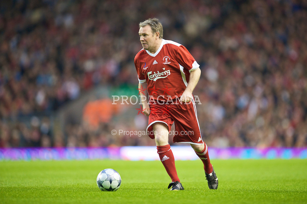 LIVERPOOL, ENGLAND - Thursday, May 14, 2009: Liverpool Legends' Ray Houghton in action against All Stars during the Hillsborough Memorial Charity Game at Anfield. (Photo by David Rawcliffe/Propaganda)