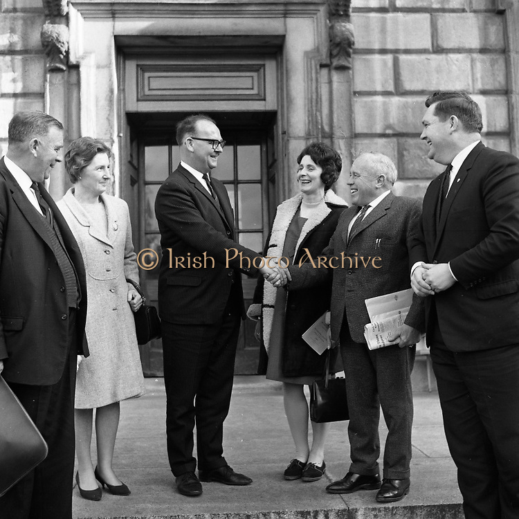 New Dáil Deputies arrive at Leinster House. The new Dail Deputy for Cork Seán French being welcomed to Leinster House by A.A. Healy T.D..14.11.1967