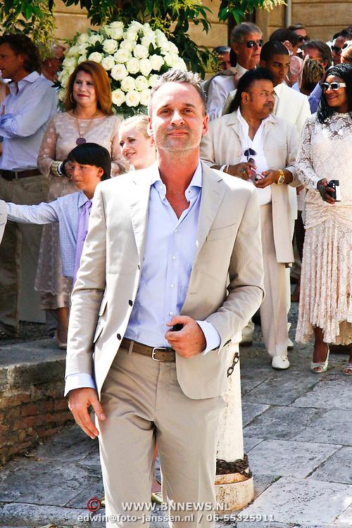 ITA/Siena/20100717 Wedding of soccerplayer Wesley Sneijder and tv host Yolanthe Cabau van Kasbergen, Eric Kuster