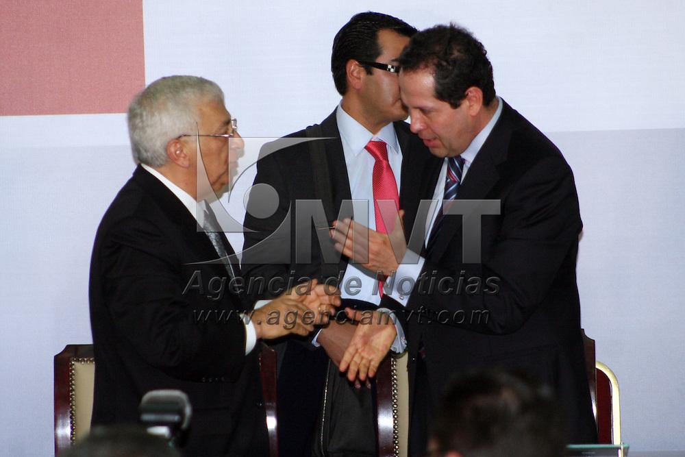 ATLACOMULCO, México.- El diputado federal Emilio Chuayffet Chemor, rindió su segundo informe de actividades, y tuvo como invitados al gobernador del Estado de México, Eruviel Ávila Villegas. Agencia MVT / José Hernández. (DIGITAL)