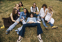 The classic line-up of British heavy rock group Uriah Heep, with girlfriends, circa 1974. Left to right: Lee Kerslake, Mick Box, Gary Thain (1948 - 1975), Ken Hensley, and David Byron (1947 - 1985).