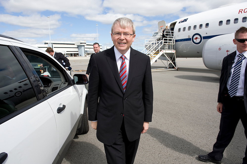 Australian Prime Minister Kevin Rudd leaves Perth for Melbourne