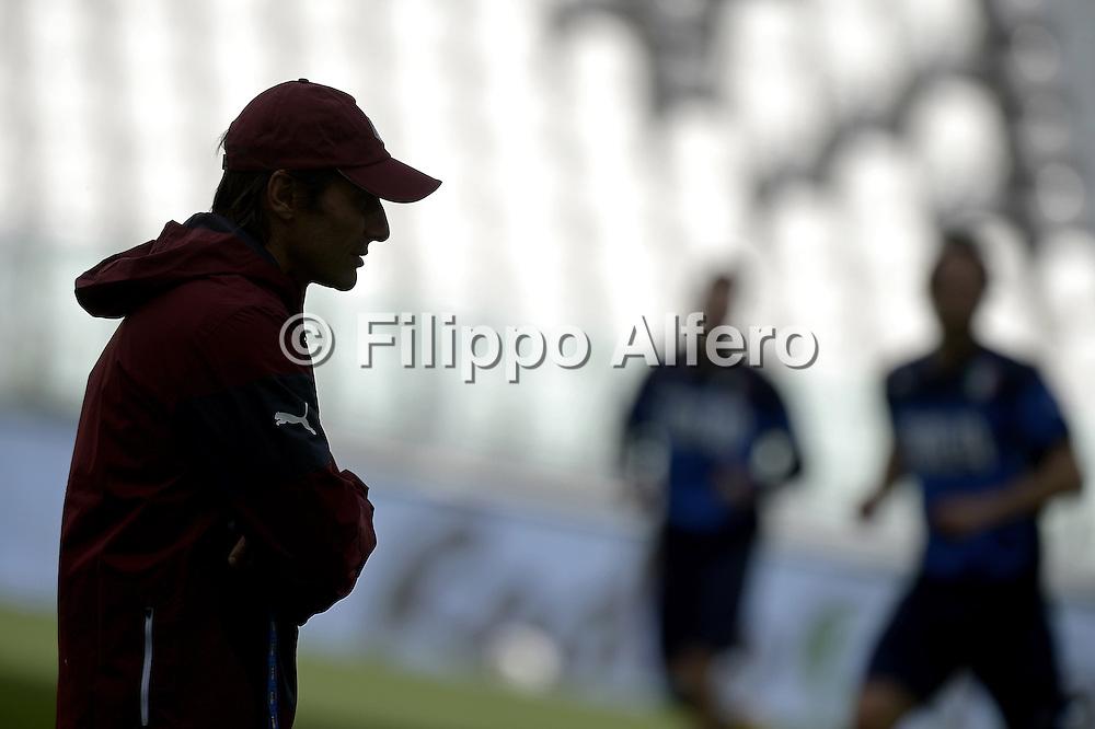 &copy; Filippo Alfero<br /> Allenamento Nazionale italiana pre Italia-Inghilterra<br /> Torino, 30/03/2015<br /> sport calcio<br /> Nella foto: Antonio Conte