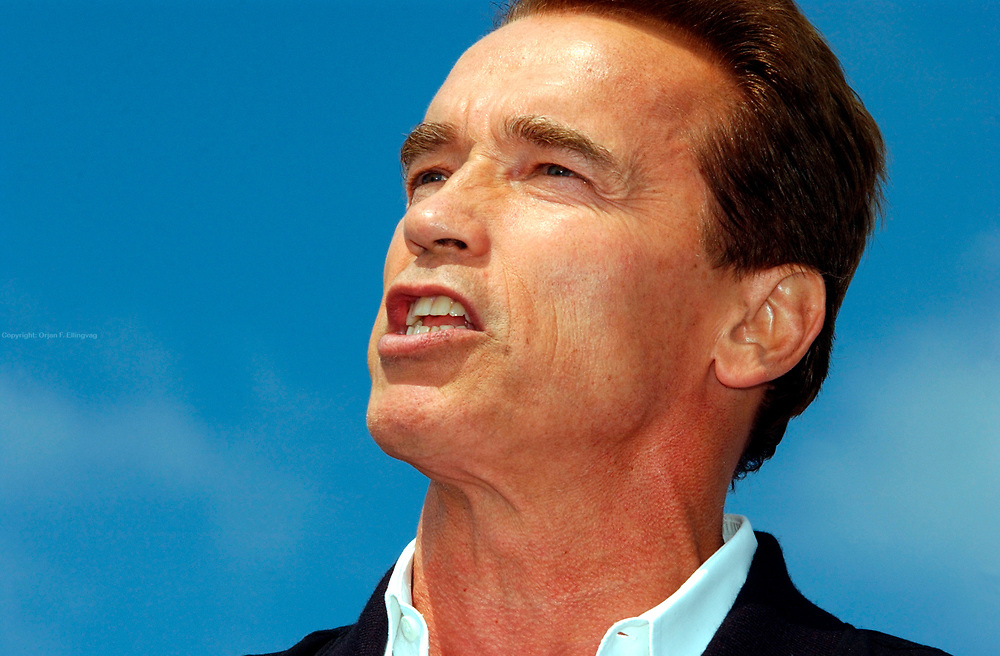 Costa Mesa, CA, USA, Oct. 10th 2003: On the first day of the Arnold Schwarzenegger campaign bus tour throughout California, the gubernatorial candidate had to face charges of alleged sexual harassment of six women as well as an old article quoting him admiring Adolf Hitler as a leader.<br /> <br /> <br /> <br />  *** Local Caption *** , posted on Corbis web ,