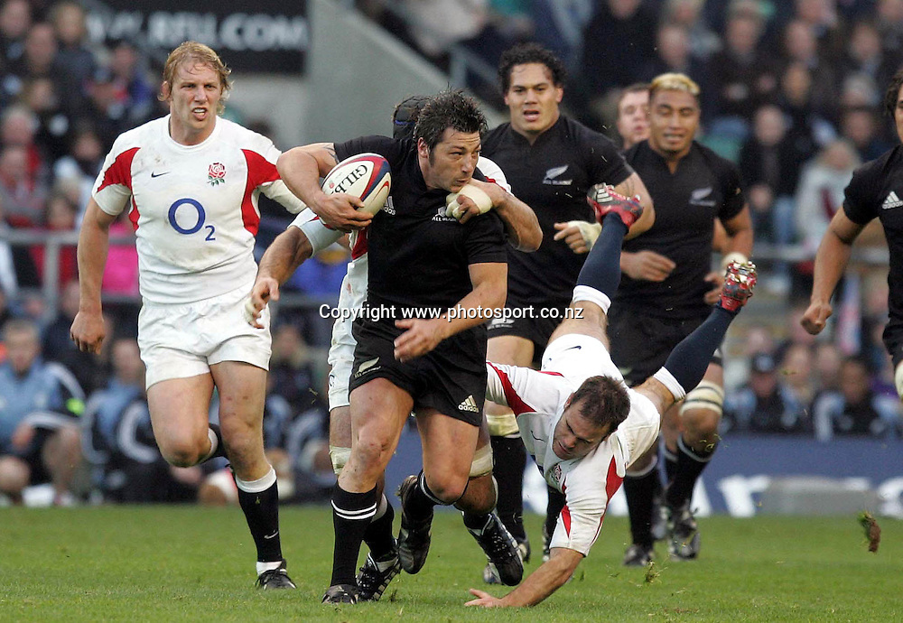 All Black Byron Kelleher in action during the rugby union test match between New Zealand and England at Twickenham, England, UK, Saturday 19 November 2005. The All Blacks defeated England 23-19. Photo: Paul Thomas/Photosport.<br />