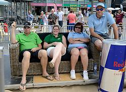 17-07-2014 NED: FIVB Grand Slam Beach Volleybal, Apeldoorn<br /> Poule fase groep A mannen - De Amerikanen waren een wedstrijd vrij aangezien de Duitsers geblesseerd afhaakten. Vrij spel dus op het centercourt / crew