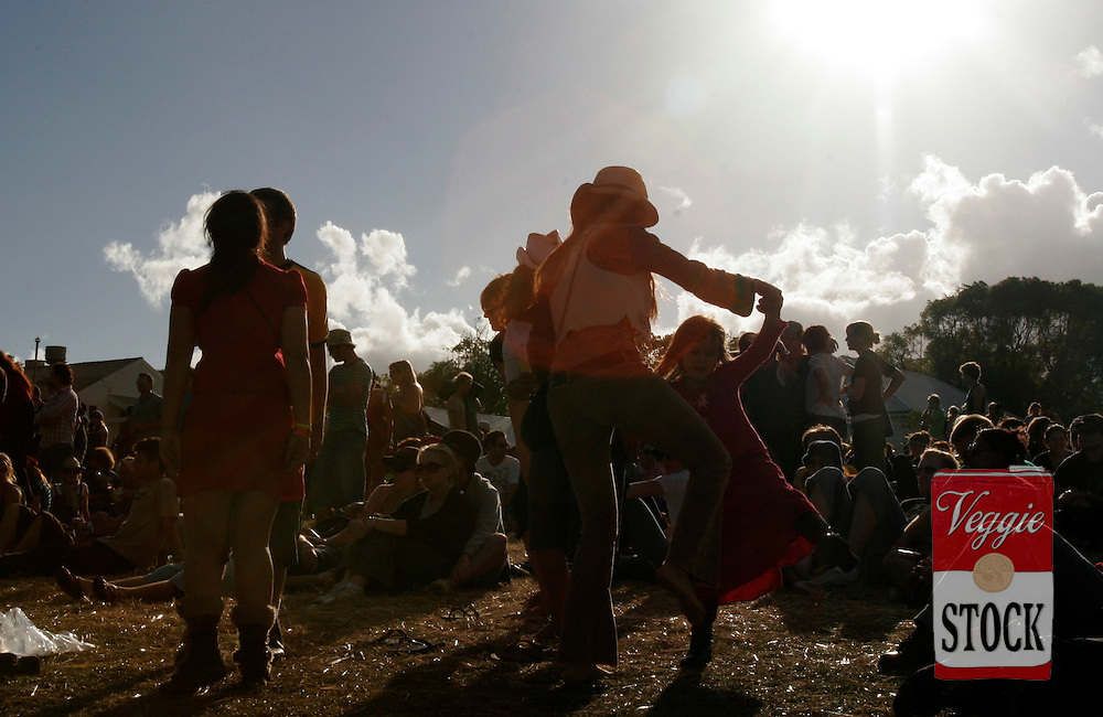 People dance to music at the Great Escape music festival in Sydney, Sunday, April 8, 2007. The festival is in its second year and runs over the Easter long weekend. (AAP Image/Megan Young) NO ARCHIVING