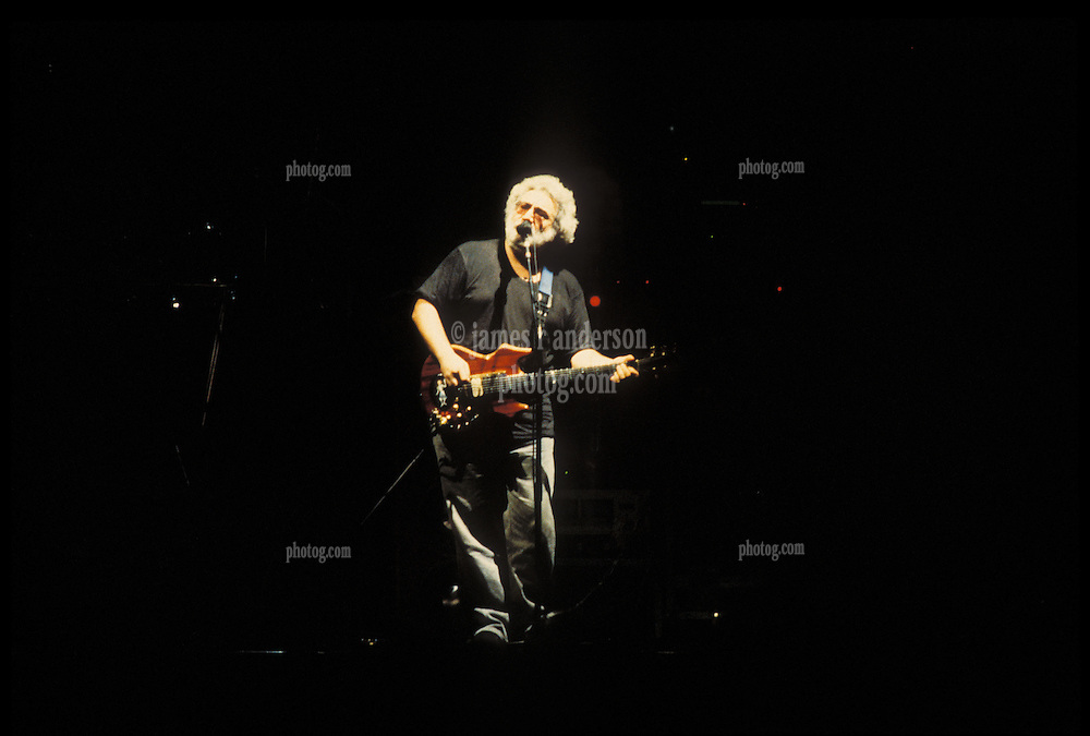 Jerry Garcia singing with The Grateful Dead perfoming Picasso Moon at the Nassau Coliseum, Uniondale NY, 30 March 1990