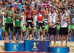 31.07.2016, Strandbad, Klagenfurt, AUT, FIVB World Tour, Beachvolleyball Major Series, Klagenfurt, Herren, im Bild Aleksandrs Samoilovs (1, LAT), Janis Smedins (2, LAT) mitte, Gustavo Carvalhaes (1, BRA), Saymon Barbosa Santos (2, BRA) links, Chaim Schalk (1, CAN), Ben Saxton (2, CAN) rechts // during the FIVB World Tour Major Series Tournament at the Strandbad in Klagenfurt, Austria on 2016/07/31. EXPA Pictures © 2016, PhotoCredit: EXPA/ Lisa Steinthaler