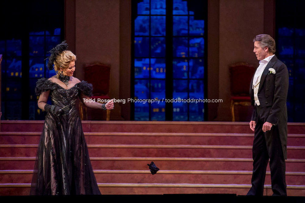 11/11/15 1:33:20 PM -- <br /> The Lyric Opera of Chicago Presents<br /> &quot;The Merry Widow&quot;<br /> Renee Fleming<br /> <br /> &copy; Todd Rosenberg Photography 2015