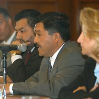 """Toluca, Méx.- Juan Carlos Villareal, director del IEEM (izq), Victorino Barrios, Contralor del Poder Legislativo (cen) y Sigrid Artz, Directora de la Asociacion Civil """"Democracia, Derechos Humanos y Seguridad"""" (der), durante la conferencia """"El costo de nuestro sistema democratico: Una Reversion con los Primeros Actores"""". Agencia MVT / Luis Enrique Hernandez V. (DIGITAL)<br /> <br /> NO ARCHIVAR - NO ARCHIVE"""
