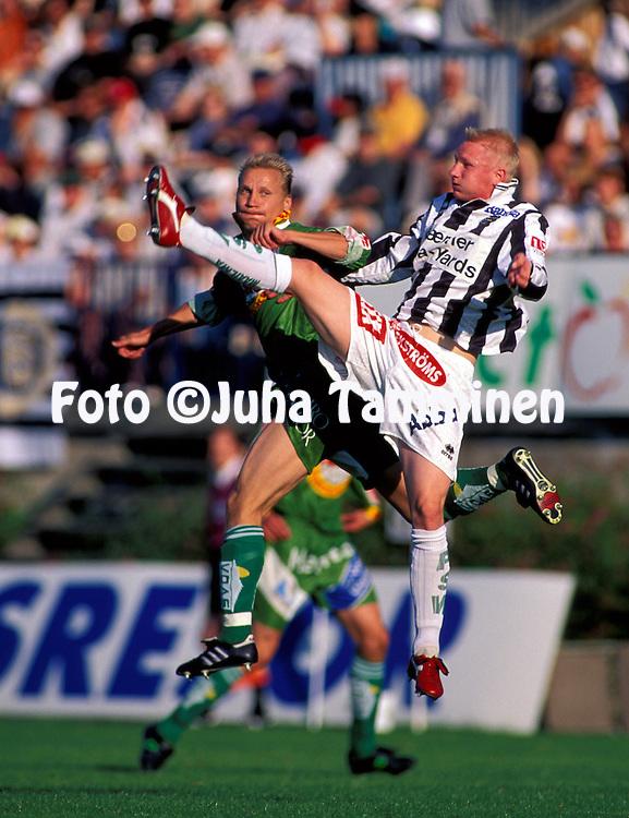 18.08.1996.Joni Meltoranta (Turun Palloseura) v Kimmo Lipponen (Vaasan Palloseura).©JUHA TAMMINEN