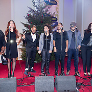 NLD/Hilversum /20131210 - Sky Radio Christmas Tree For Charity 2013, deelnemers The Voice of Holland nemen hun kerstclip op