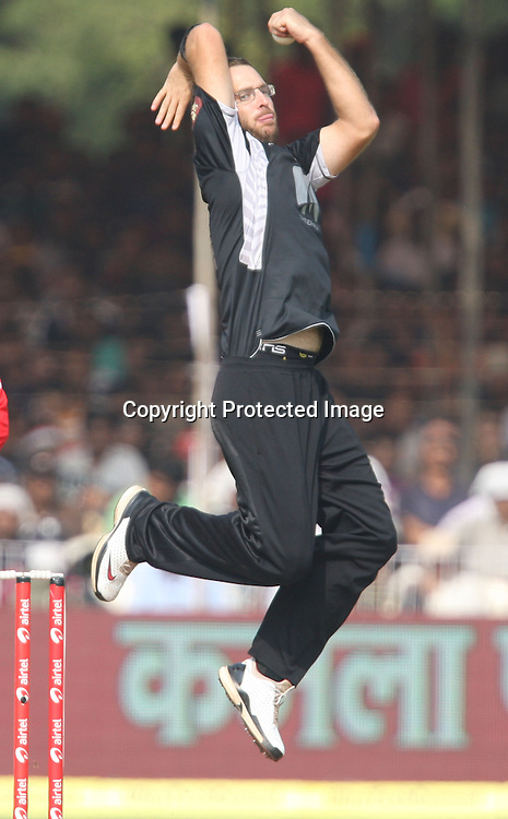 New Zealand bowler Daniel Vettori in bowling action during the 3rd ODI India vs New Zealand Played at Reliance Stadium, Vadodara, 4 December 2010 (50-over match)