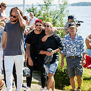 NLD/Muiden/20160825 - Perspresentatie deelnemers Expeditie Robinson 2016, Thomas Dekker, Kraantje Pappie, JayJay Boske, Bartho Braat en Lex Uiting