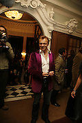 Graham Norton, Dirty Dancing ,premiere: Aldwych Theatre, 49 Aldwych, London, WC2,24 October 2006. -DO NOT ARCHIVE-© Copyright Photograph by Dafydd Jones 66 Stockwell Park Rd. London SW9 0DA Tel 020 7733 0108 www.dafjones.com