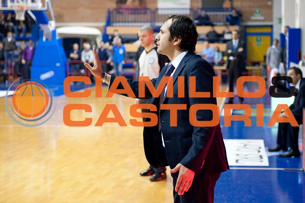 DESCRIZIONE : S.Antimo Lega Basket A2 2011-12 Pall. S.Antimo Centrale del Latte Brescia<br /> GIOCATORE : Gennaro Di Carlo<br /> CATEGORIA : ritratto<br /> SQUADRA : Pall. S.Antimo<br /> EVENTO : Campionato Lega A2 2011-2012 <br /> GARA : Pall. S.Antimo Centrale del Latte Brescia <br /> DATA : 22/01/2012<br /> SPORT : Pallacanestro  <br /> AUTORE : Agenzia Ciamillo-Castoria/G.Buco<br /> Galleria : Lega Basket A2 2011-2012  <br /> Fotonotizia : S.Antimo Lega Basket A2 2011-12 Pall. S.Antimo Centrale del Latte Brescia<br /> Predefinita :
