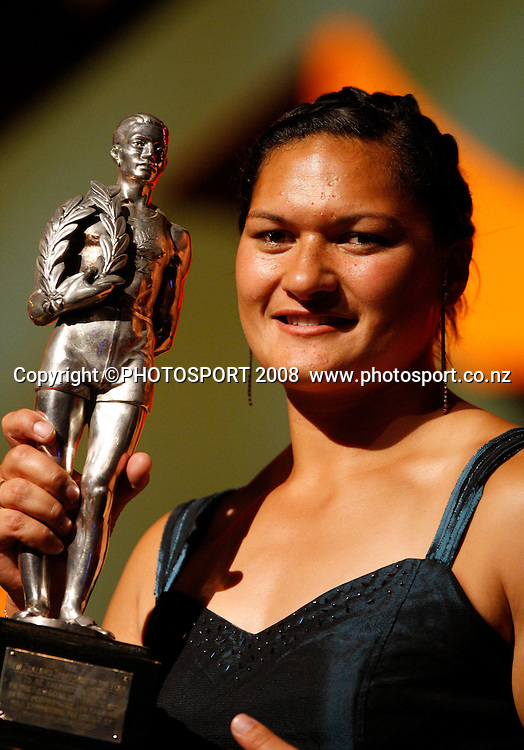 Supreme Award Winner Valerie Vili. Westpac Halberg Awards, Vector Arena, Auckland, New Zealand. Tuesday 3rd February 2009. Photo: Andrew Cornaga/PHOTOSPORT