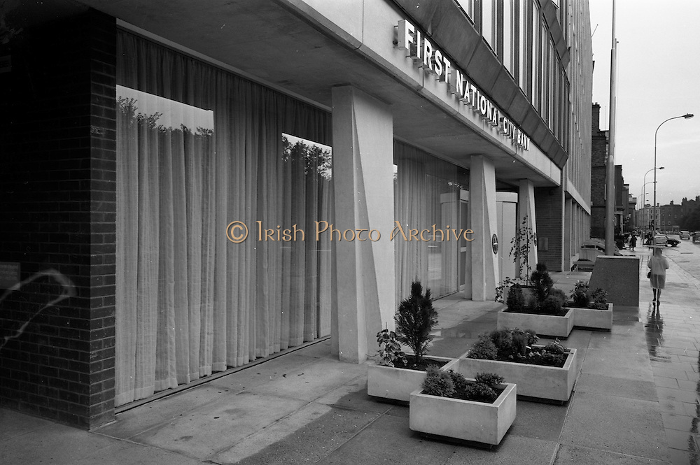 17/08/1967<br /> 08/17/1967<br /> 17 August 1967<br /> Exterior of the First National City Bank, St. Stephen's Green, Dublin.