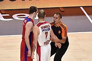 DESCRIZIONE : Madrid Eurolega Euroleague 2014-15 Final Four Semifinal Semifinale Cska Moscow Olympiacos Piraeus Athens Cska Mosca Olympiacos Atene <br /> GIOCATORE : Nando De Colo Vassilis Spanoulis<br /> SQUADRA : CSKA Mosca Olympiacos Atene<br /> CATEGORIA : rissa referee arbitro<br /> EVENTO : Eurolega 2014-2015<br /> GARA : Cska Mosca Olympiacos Atene<br /> DATA : 15/05/2015<br /> SPORT : Pallacanestro<br /> AUTORE : Agenzia Ciamillo-Castoria/GiulioCiamillo<br /> Galleria : Eurolega 2014-2015<br /> DESCRIZIONE : Madrid Eurolega Euroleague 2014-15 Final Four Semifinal Semifinale Cska Moscow Olympiacos Piraeus Athens Cska Mosca Olympiacos