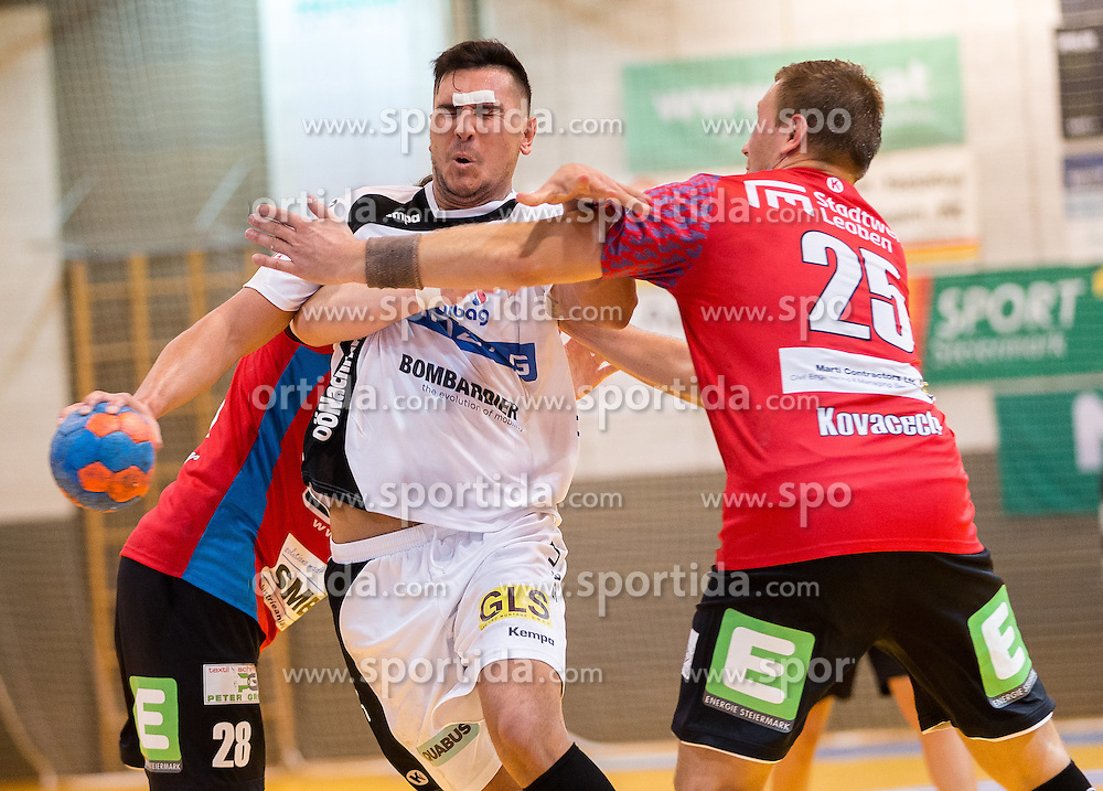 22.10.2016, Sporthalle Leoben Donawitz, Leoben, AUT, HLA, Union JURI Leoben vs HC Linz AG, 9. Runde, im Bild Luka Kikanovic (Linz), Marek Kovacech (Leoben) // during the Handball League Austria, 9 th round match between Union JURI Leoben vs HC Linz AG at the sport Hall, Leoben, Austria on 2016/10/22, EXPA Pictures © 2016, PhotoCredit: EXPA/ Dominik Angerer