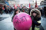 Demonstration för demokrati och mot fascism samma dag som naziter demonstrerade på Stockholms gator
