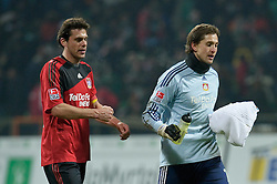 21.02.2010, Weser Stadion, Bremen, GER, 1.FBL, Werder Bremen vs Bayer Leverkusen, im Bild Manuel Friedrich ( Leverkusen #05 ) und Rene Adler ( Leverkusen #01 ) auf dem Weg in die Kabine    EXPA Pictures © 2010, PhotoCredit: EXPA/ nordphoto/ Kokenge / for Slovenia SPORTIDA PHOTO AGENCY.