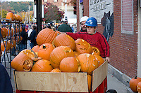 Moving Jack o Lanterns to display, Keene Pumpkin Festival