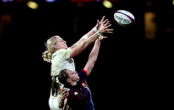 Tamara Taylor of England catches the ball from the line out - Mandatory by-line: Robbie Stephenson/JMP - 04/02/2017 - RUGBY - Twickenham - London, England - England v France - Women's Six Nations