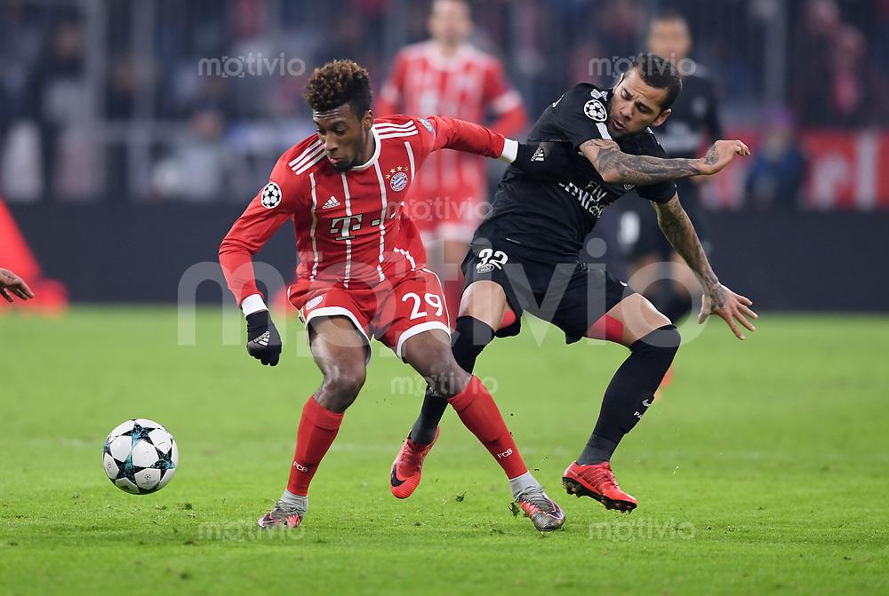 FUSSBALL CHAMPIONS LEAGUE SAISON 2017/2018 GRUPPENPHASE FC Bayern Muenchen - Paris Saint-Germain               05.12.2017 Kingsley Coman (li, FC Bayern Muenchen) gegen Dani Alves (re, Paris Saint-Germain)