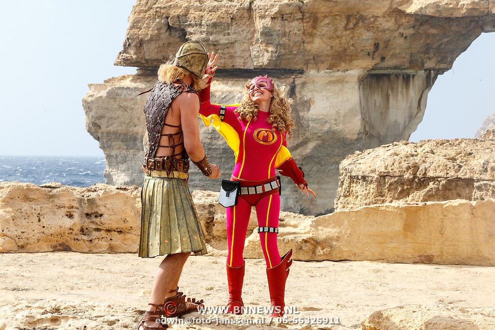 MLT/Malta/20150526 - Set bezoek Mega Mindy versus Rox , Mega Mindy (Free Souffriau) in gevecht met Waterman ( Jim Bakkum )