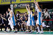 Esultanza panchina Cremona, Sidigas Avellino vs Vanoli Cremona, Poste Mobile Final 8 2018 Quarti di Finale, Lega Basket 2017/2018 Firenze 15 febbraio 2018 Nelson Mandela Forum