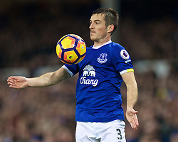 LIVERPOOL, ENGLAND - Tuesday, December 13, 2016: Everton's Leighton Baines in action against Arsenal during the FA Premier League match at Goodison Park. (Pic by David Rawcliffe/Propaganda)