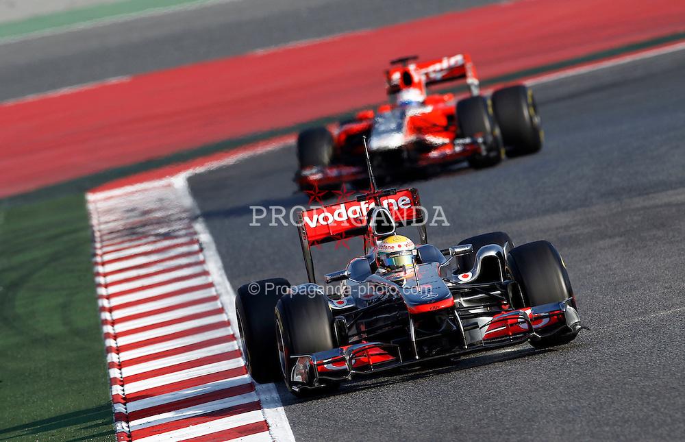 Motorsports / Formula 1: World Championship 2011, Testing in Barcelona, test, 04 Lewis Hamilton (GBR, Vodafone McLaren Mercedes), 24 Timo Glock (GER, Marussia Virgin Racing )
