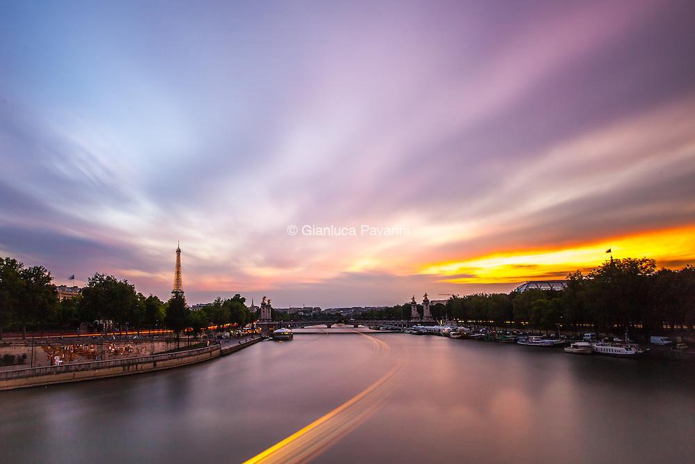 Paris landscapes, tramonto sulla senna Tour Eiffel.