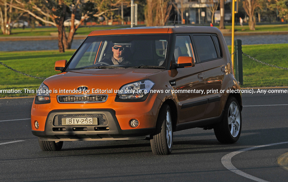 2009 Kia Soul.Cocktail Orange .Port Melbourne, Victoria .11th of July 2009.(C) Joel Strickland Photographics.Use information: This image is intended for Editorial use only (e.g. news or commentary, print or electronic). Any commercial or promotional use requires additional clearance.