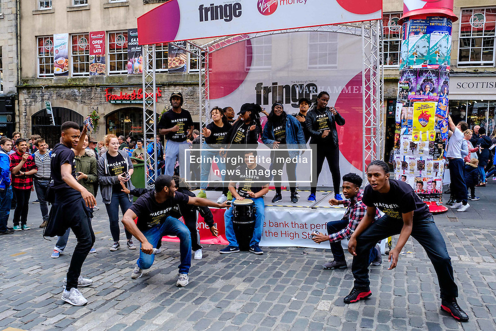 Edinburgh Scotland 7th August 2016 :: Performers from Fringe shows entertain in the High Street to promote their shows.<br /> <br /> Pictured:  Members of the cast of 'Macbeth'.<br /> <br /> (c) Andrew Wilson   Edinburgh Elite media