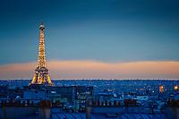 France, Paris (75), la Tour Eiffel  // France, Paris, Eiffel Tower at night